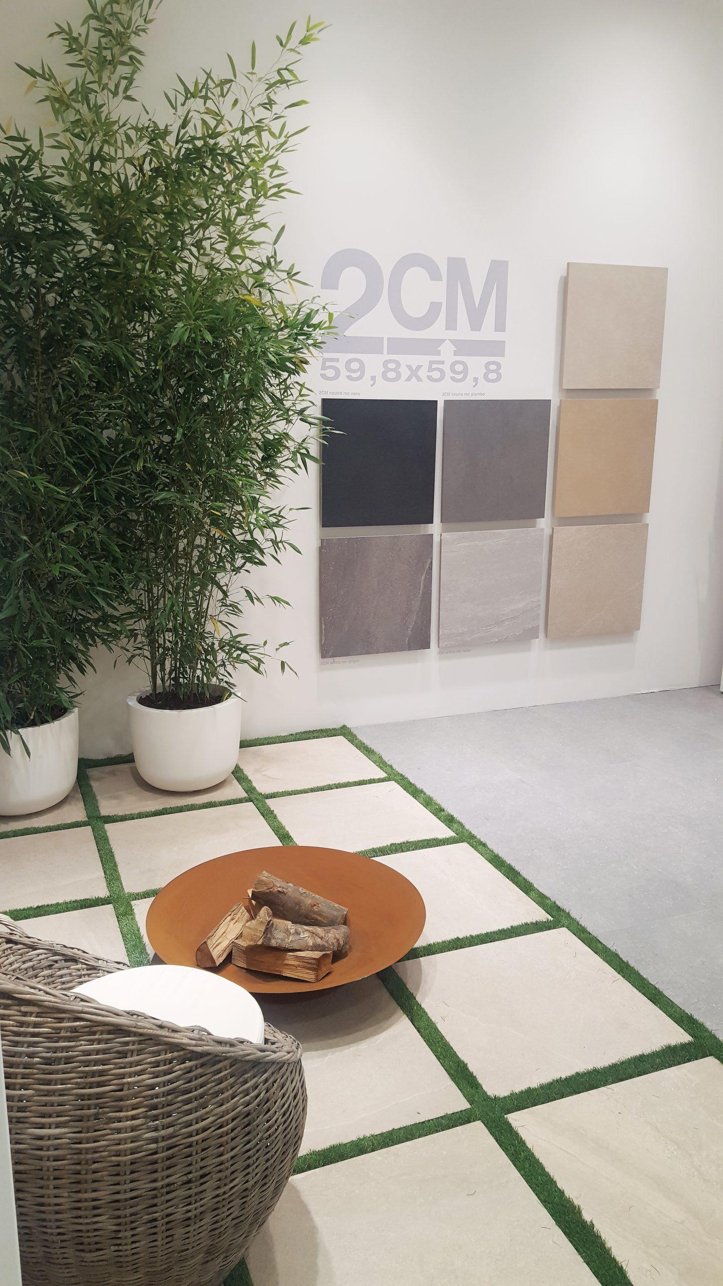 Applicazioni a parete con prespaziati adesivi a muro