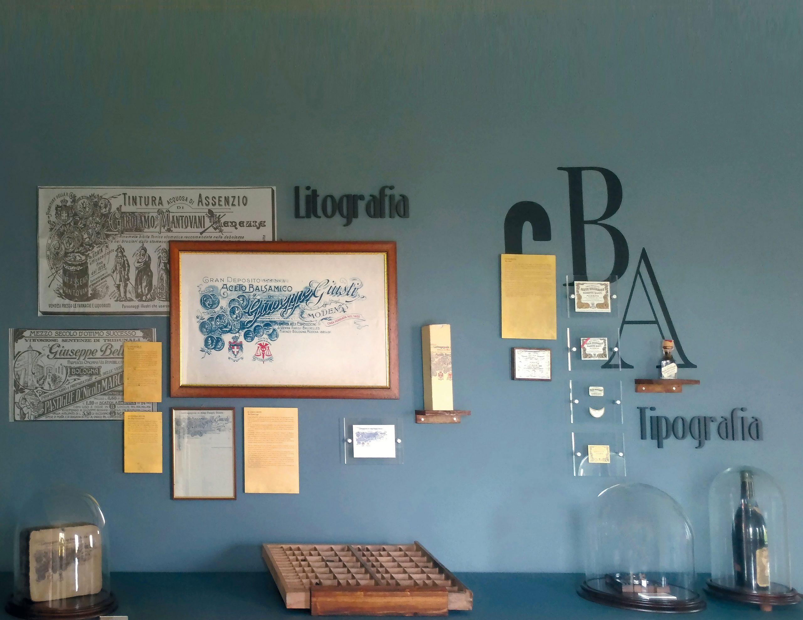 Prespaziati murali adesivi e vetrofanie adesive da muro